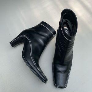 Via Spiga black leather boots. Size 5,5 M.